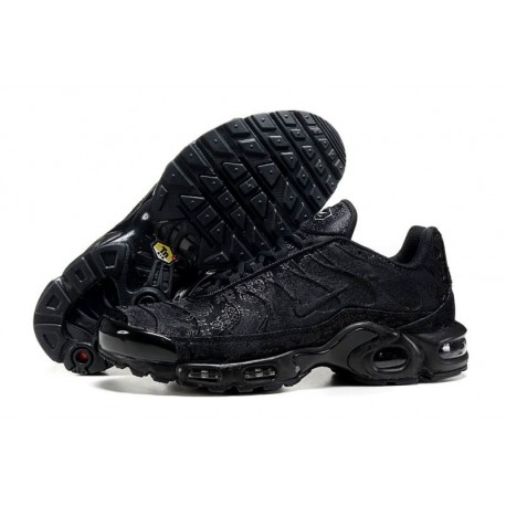 Achat Nike Air Max TN 2018 Homme Chaussures Triple Noir Soldes Pas Cher